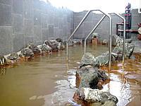 宮古島の宮古島温泉 - 露天風呂は狭いがやっぱり気持ちいい