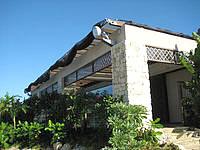 宮古島のシギラビーチハウス - 施設はそれほど大きくはない(駐車場はデカイ)