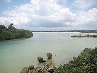 宮古島の入江湾展望台 - 内陸側は入江湾が一望できます