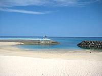宮古島の博愛ビーチ/シースカイ博愛 - 人工ビーチなのでかなり狭い