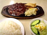 那覇のジャッキーステーキハウス - ボリューム満点!沖縄のステーキ