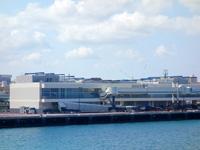 那覇の那覇港大型旅客船バース - この施設設置は大正解だった!