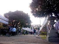 那覇の沖縄県護国神社 - 初詣の名所だが沖宮とは背中合わせも入口遠し