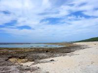 南部のジョン万ビーチ/大度海岸/大度浜ビーチ/大渡園地 - ビーチは広いが岩場が多い