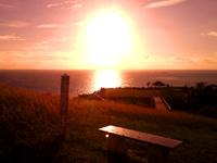 南部の知念岬公園 - 東向きの岬なので朝日の名所