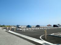 南部の知念岬公園 - 体育館裏にある公園ですが公園用の駐車場も整備
