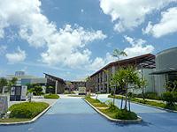 南部の沖縄アウトレットモール あしびなー - 徐々に増築し拡大中