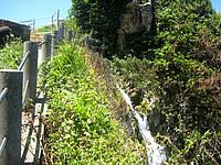 南部の慶座の滝/慶座地下ダム - 放水はかなり上から始まっています