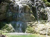 南部の慶座の滝/慶座地下ダム - 下では様々な水落が楽しめます