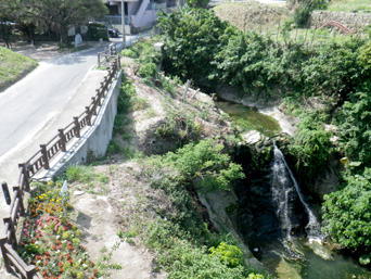 豊見城の滝/せせらぎ公園