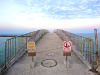 南部の美々ビーチいとまん - 沖へ行ける遊歩道は閉鎖