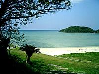 南部の北名城ビーチ/エージナ島 - 結構のんびりできるビーチです