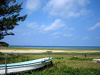 南部の北名城ビーチ/エージナ島 - 泳ぐにはどうか微妙