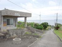 大神島の大神集落/大神島離島振興コミュニティセンター - 集落と港の間にあるコミュニティセンター