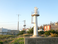 沖永良部島の和泊港灯台/導灯(前灯)