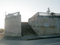 沖永良部島の和泊港灯台/導灯(前灯)の写真