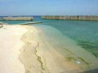 沖永良部島の伊延港(フェリー臨時停泊港)の写真