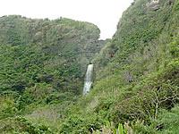 沖永良部島の沖泊の滝