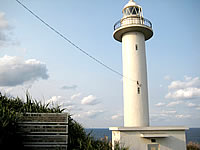 沖永良部島の矢護仁屋埼灯台(やごにやざき)