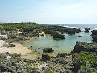 沖永良部島のうじじ浜/ウジジ公園/カナダ帆船慰霊の地 - 小さな岩場とビーチもあります