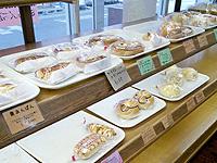 沖永良部島の城乃屋/パティスリーJYONOYA - パンの種類はかなり豊富