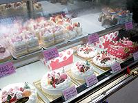 沖永良部島の城乃屋/パティスリーJYONOYA - ケーキも意外と充実しています