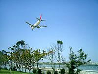瀬長島の飛行機ベストポイント1 - JAL系、ANA系、JTA系など様々な飛行機が