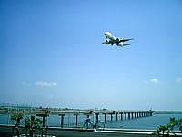 瀬長島の飛行機ベストポイント2 - まさに航空会社のキャンペーン写真!
