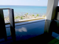 瀬長島の琉球温泉 龍神の湯 - 外風呂の一番奥の立湯は最高!