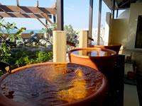 瀬長島の琉球温泉 龍神の湯 - 桶湯は一人用
