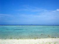 瀬底ビーチ(沖縄本島離島/瀬底島のビーチ/砂浜)