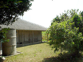 瀬底島の瀬底集落の家「古き良き沖縄民家が結構多かったです」
