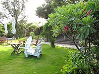 瀬底島のフーカフェ/Fuu cafe - きれいな庭があるカフェです