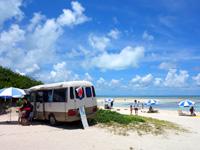 竹富島のコンドイビーチ - 竹富島でもビーチ内のお店は違法・・・