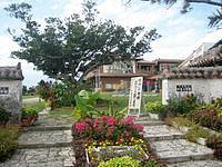 竹富島の竹富町立竹富小中学校の写真