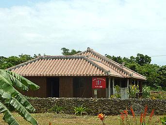 竹富島のカフェ&レストラン ヴィラ別邸(別邸ヴィラたけとみ)「別荘のような外観」