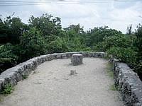 竹富島のクスクムリ/クースクムイ/小城盛 - 遠見台の頂上