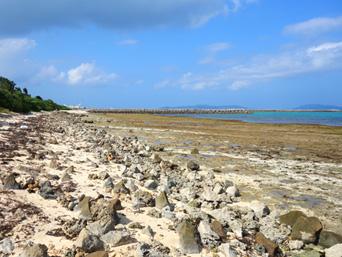 竹富港とナーラサ浜の間