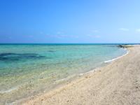 竹富島の東崎/ナーラサ浜とアイヤル浜の間 - アイヤル浜側は広いビーチ