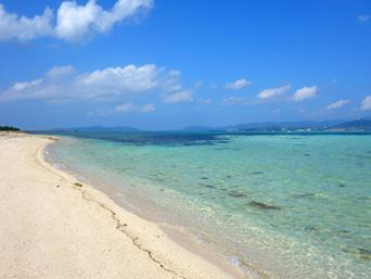 竹富島の東崎/ナーラサ浜とアイヤル浜の間 - もしかするとアイヤル浜より綺麗かも?