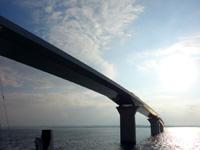 多良間島のフェリーたらまゆう - 伊良部大橋をくぐれる数少ない定期船