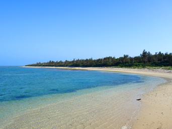 多良間島のウカバトゥブリ「前泊港のすぐ東のビーチです」