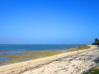 多良間島のウカバトゥブリ - ビーチはかなり広く干潮時は干上がります