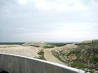 多良間島の貯水塔からの景色 - 島の東側の景色(採掘場)
