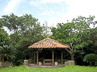 多良間島の八重山遠見台公園 - 吾妻屋以外にも結構広い公園?