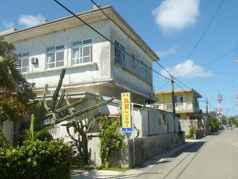 多良間島の丸宮レンタカー/レンタサイクル「老舗宿がレンタカーやレンタサイクルも提供」