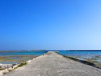 多良間島の朝日の名所/普天間港桟橋 - 昼は昼で悪くないです