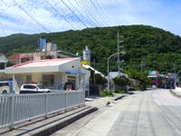 渡嘉敷島の渡嘉敷集落 - そのまま阿波連まで続きます