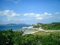 渡嘉敷島の中頭の海 - 高台から中頭を見下ろします