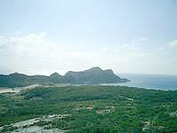 渡嘉敷島の前岳林道展望台 - 阿波連崎まで見渡せます